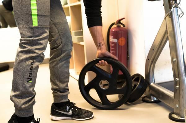 Trainerhose Nessential TechFleece Pants